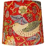 825517 Bergo lampskärm Sixten 17cm Strawberry theif röd